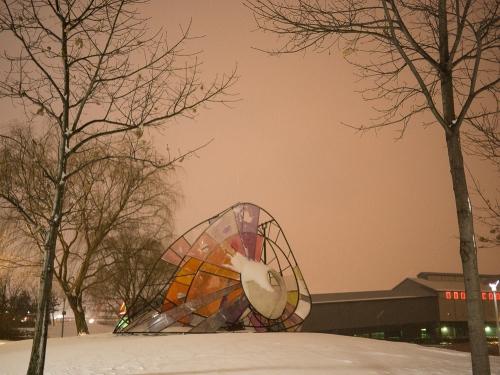 snail swing in winter